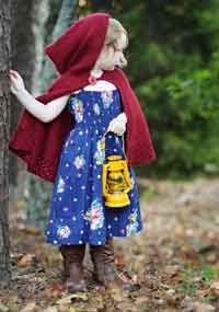 Girls Hooded Cape Knitting Pattern