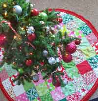Patchwork Christmas Tree Skirt Tutorial